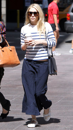 Ashley Olsen en marinière-